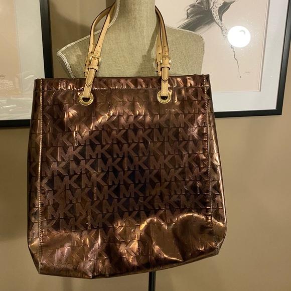 MICHAEL KORS travel bag/large purse